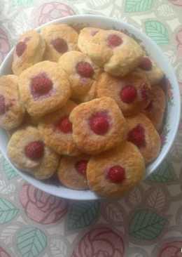 Печенье дачное с малиной на сметане