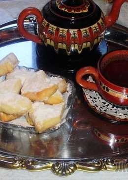 Курабье-восточная сладость,получившая большую популярность!!! Нежное, рассыпчатое, тающее во рту, очень вкусное печенье с лёгким ароматом ванили