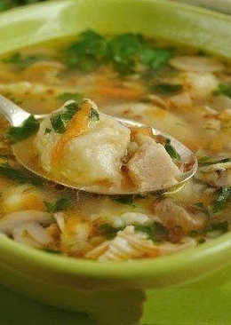 Ароматный гречневый суп с грибами и картофельными клецками