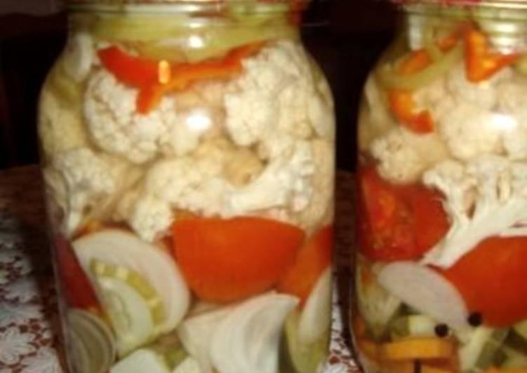 Смесь овощей в маринаде