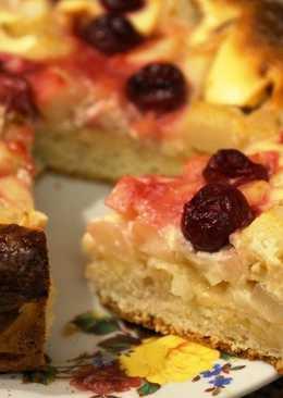 Пирог из творожного теста с грушей под сметанной заливкой