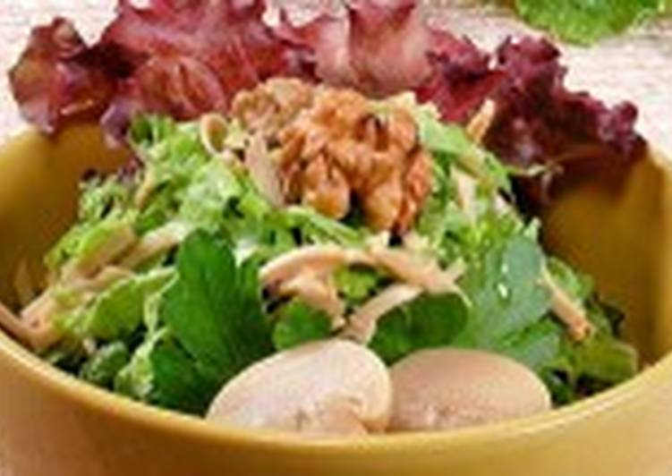 Салат из спаржи с базиликом, грибами и пармезаном
