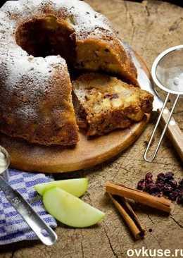 Кекс с грушей, яблоком и орехами
