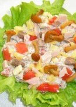 Салат из рыбы и раков