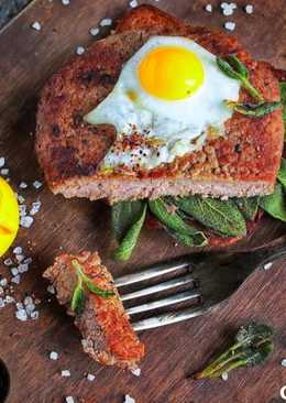 Антрекот из телятины с яйцом и жареным шалфеем