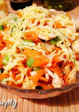 Куриный салат с горошком, морковью и сельдереем