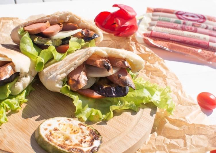 Овощи и сливочные сосиски по-Черкизовски в пите