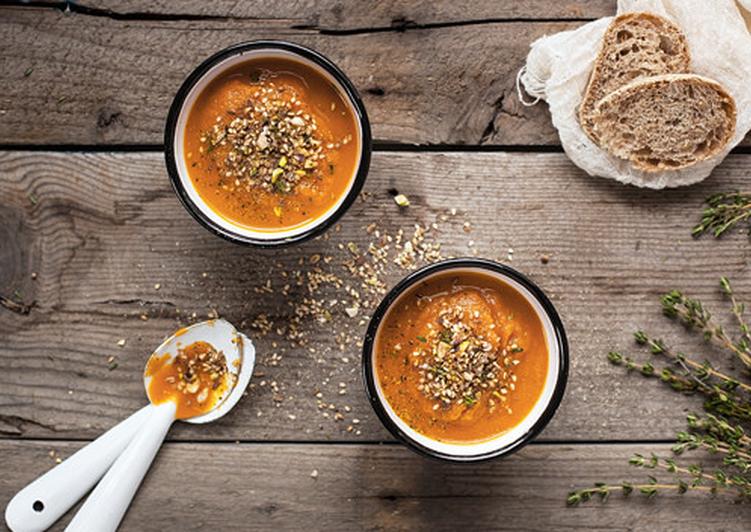 Овощной суп из тыквы, моркови и имбиря