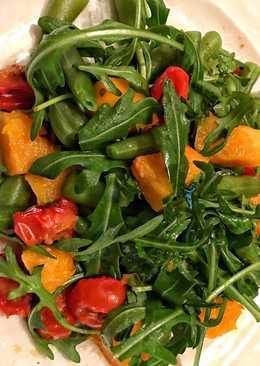 Тёплый салат с тыквой, томатами и зеленой фасолью