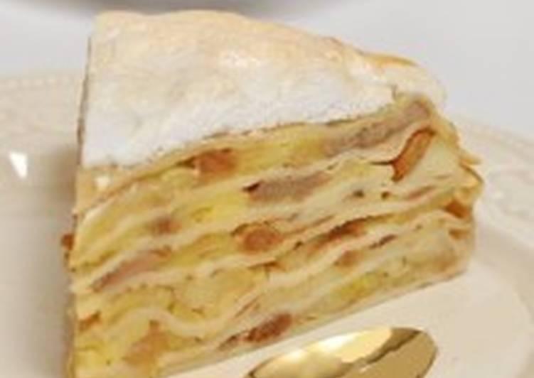 Блинный пирог с изюмом, бананами и яблоками