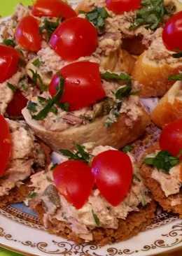 Бутерброды с тунцом и каперсами