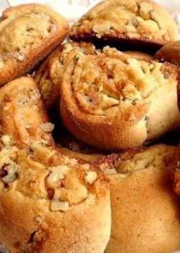 Медовые рулетики из теста с начинкой в духовке, сладкая домашняя выпечка