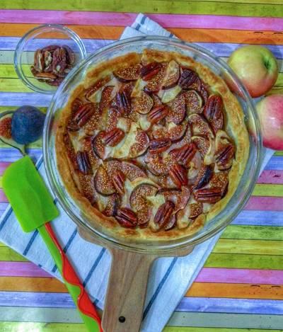 Французский тарт с яблоком и инжиром