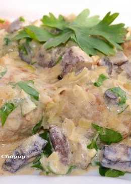 Мясные тефтели со сметанно - грибным соусом