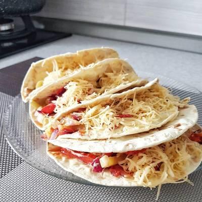 Аппетитные мексиканские тако с курицей 🐔 и овощами 🌶