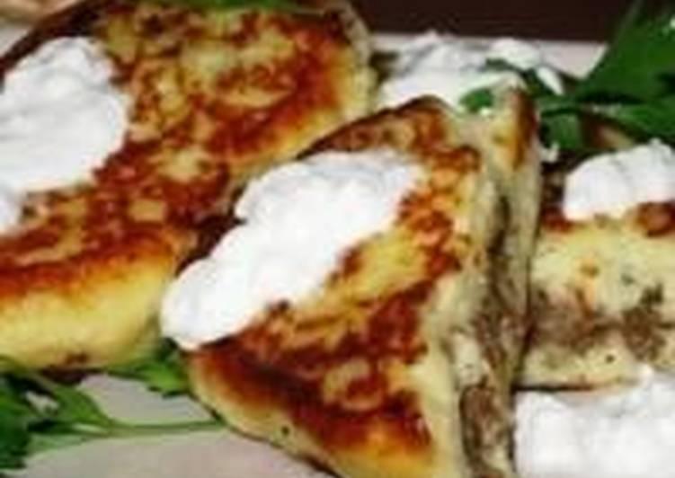 Пирожки картофельные с мясом