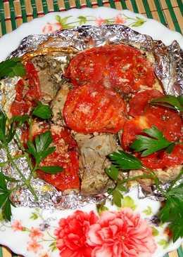 Минтай запеченный с помидорами