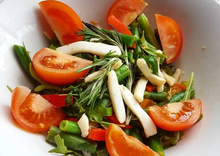 Теплый салат с кальмарами и розмарином #пп #зож
