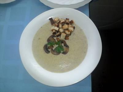 Картофельный суп-пюре с шампиньонам