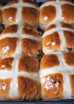 Английские горячие крестовые булочки