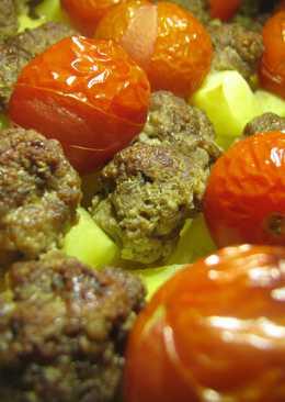 Запеканка с фрикадельками и помидорами черри