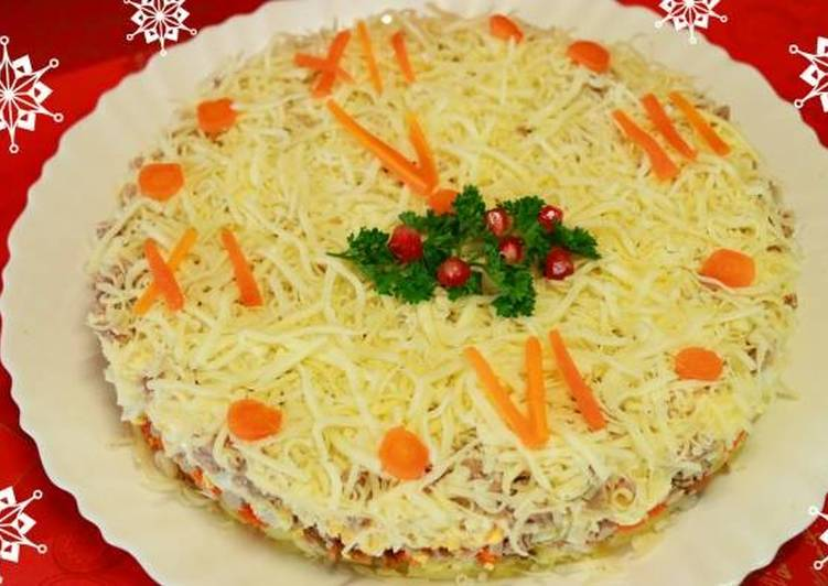 Новогодний салат «Куранты»