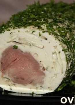 Рулет со свиной вырезкой, куриным фаршем и грибами