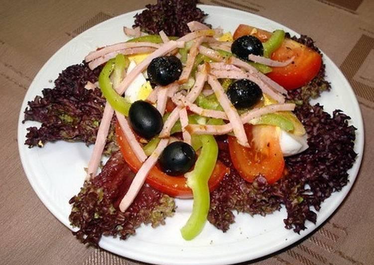 Салат с овощами, яйцами и ветчиной «Арагонский»
