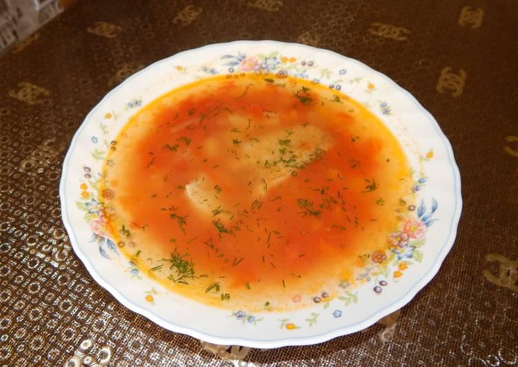 Рыбный суп с помидорами и тыквой