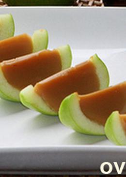 Яблоки с карамелью