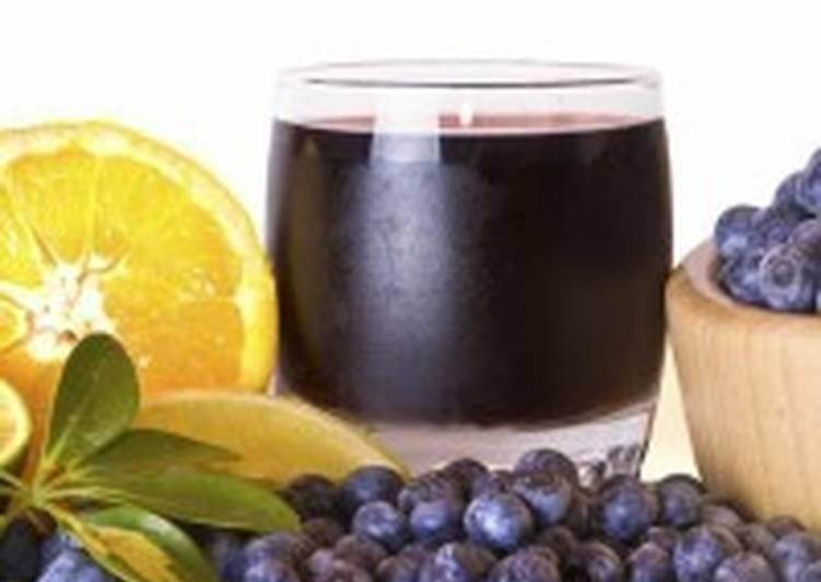 Домашний сок из черники