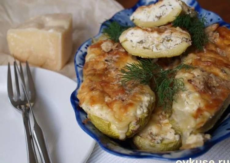 Кабачки с творожно-сырной начинкой