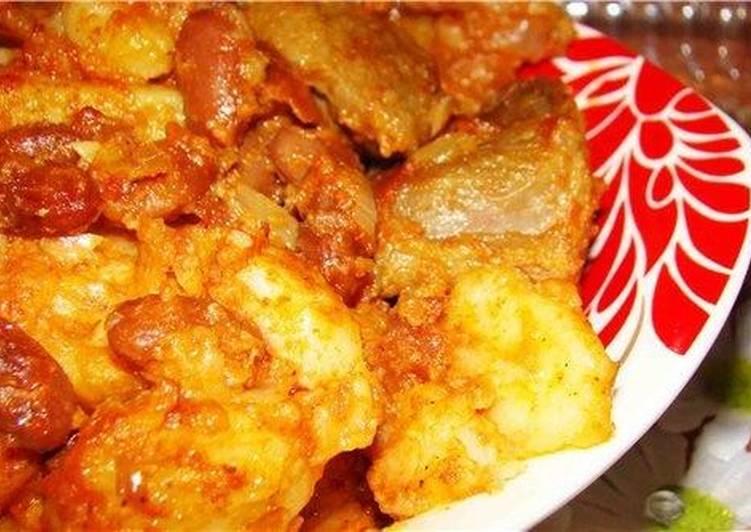 Фасоль с картофелем к жареному мясе