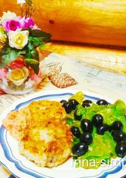 Рисовые котлеты с грибами и зелёным салатом