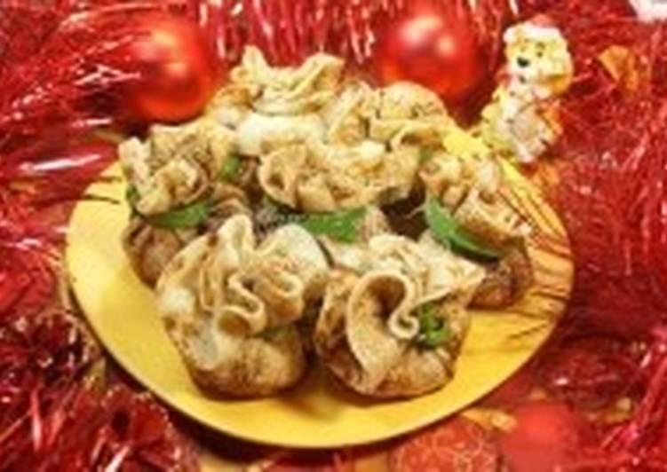 Закуска с копченой курицей «Новогодние мешочки»