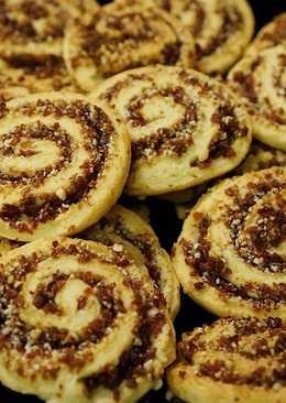 Творожное печенье с сушеной клюквой и орехами