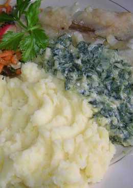 Минтай на пару с картофельным пюре и соусом из шпината