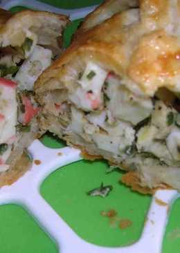 Пирог из слоеного теста с крабовым мясом