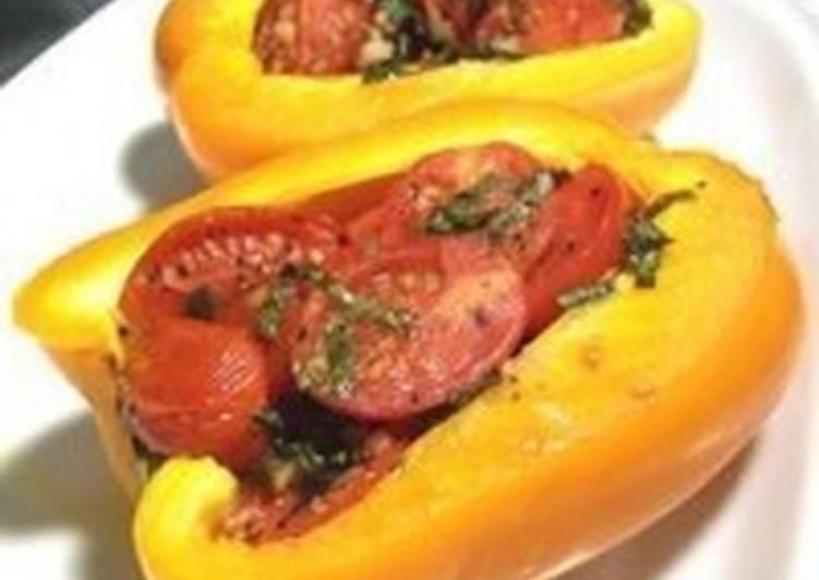 Фаршированный помидорами перец