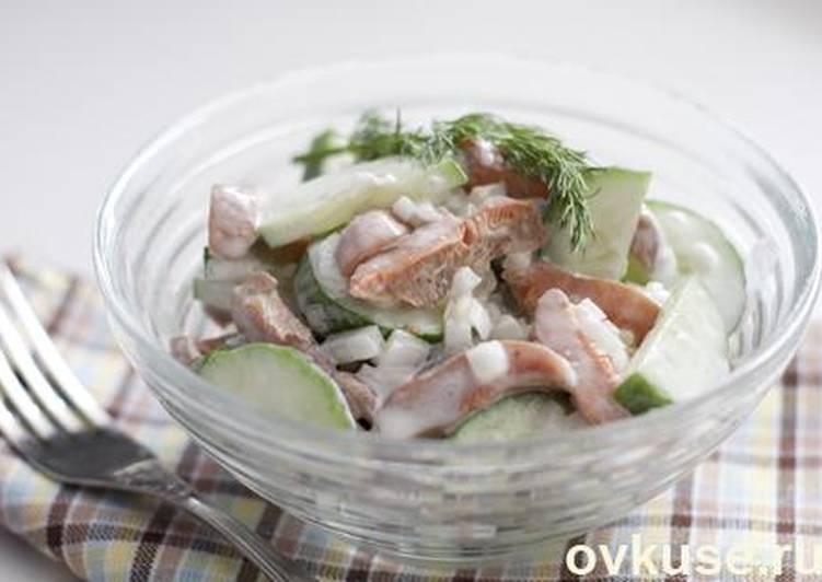 Салат с солеными грибами (рыжиками, груздями)