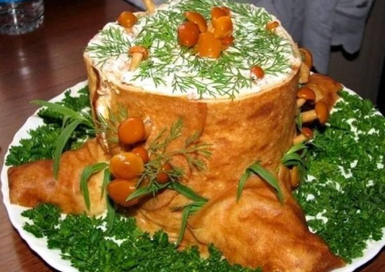 Салат с ветчиной и грибами «Пенек»