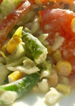 Овощной салат с жареной стручковой фасолью