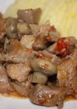 Индейка с грибами, яблоками и сидром