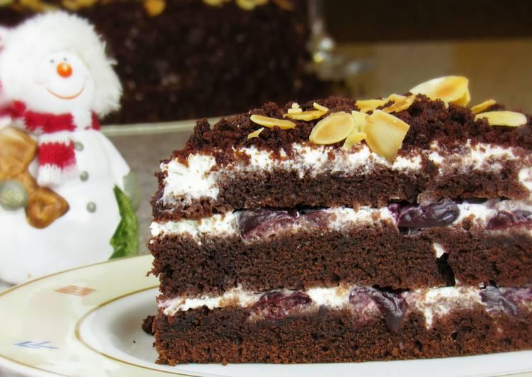 Шоколадный торт с вишней. С Новым Годом!