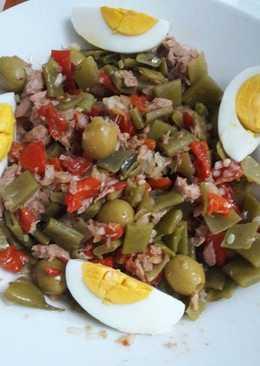 Испанский теплый салат из зеленой фасоли