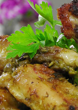 Имбирные куриные крылышки в соусе с зеленым луком