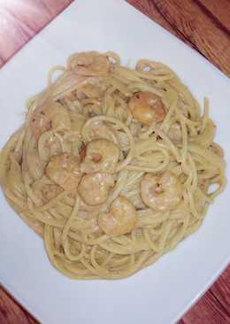 Паста с креветками и кремовым сливочным соусом