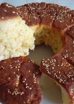 Сербский хлеб с кунжутом в мультиварке