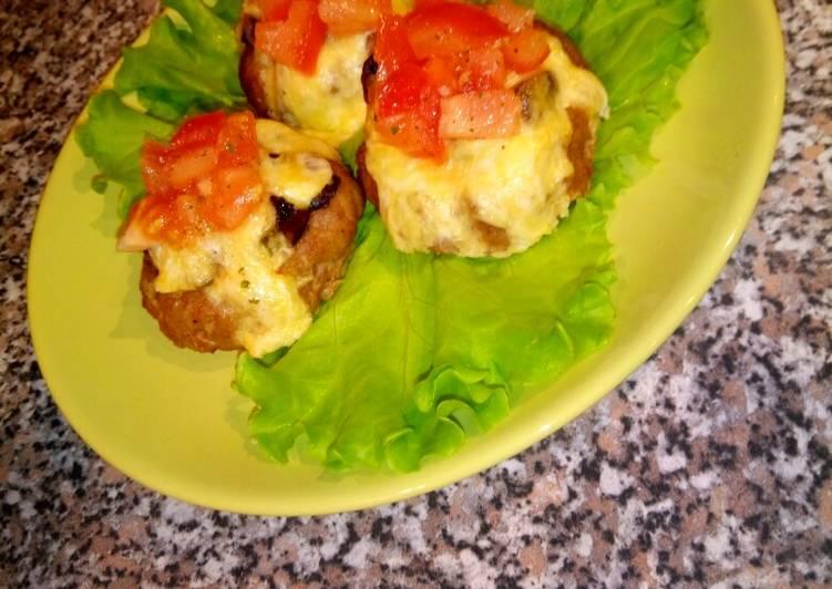 Мясные корзинки с грибами и сыром в духовке