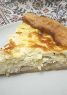Не совсем французский пирог с луком, сыром и курицей
